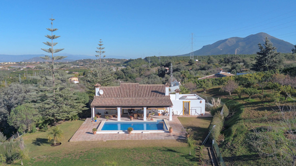 Country Villa - Lovely Open Views - Private and Secluded  .  Great Location .  Good access .  Excell, Spain