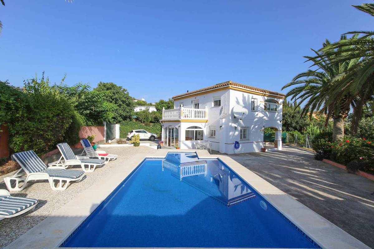 DETACHED PROPERTY - Divided in two Apartments,  Barn  .  Walking distance to town .  Possible Rental,Spain