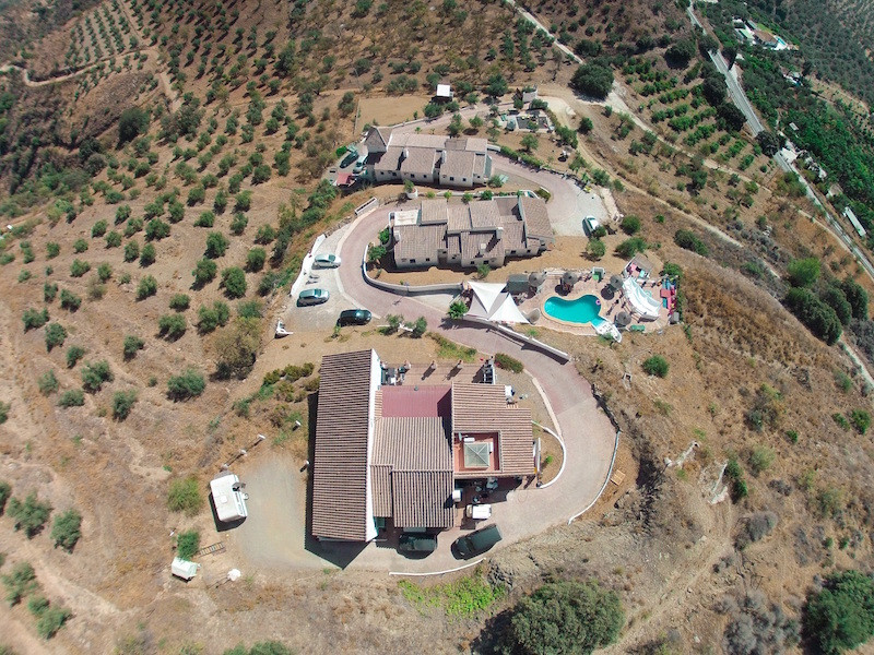 Successful Bed & Breakfast Business  .   7 Apartments .   3 Bedroom Owners Accommodation .   Poo,Spain