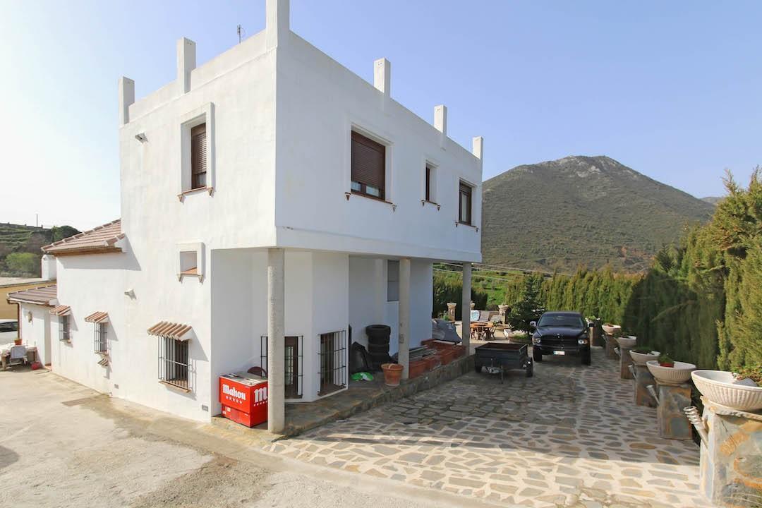 Villa con 5 Dormitorios en Venta Ojén