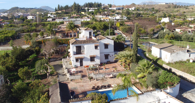 Possible BED & BREAKFAST Accommodation   .   Spacious Farmhouse styled property .   4 Bedrooms A,Spain