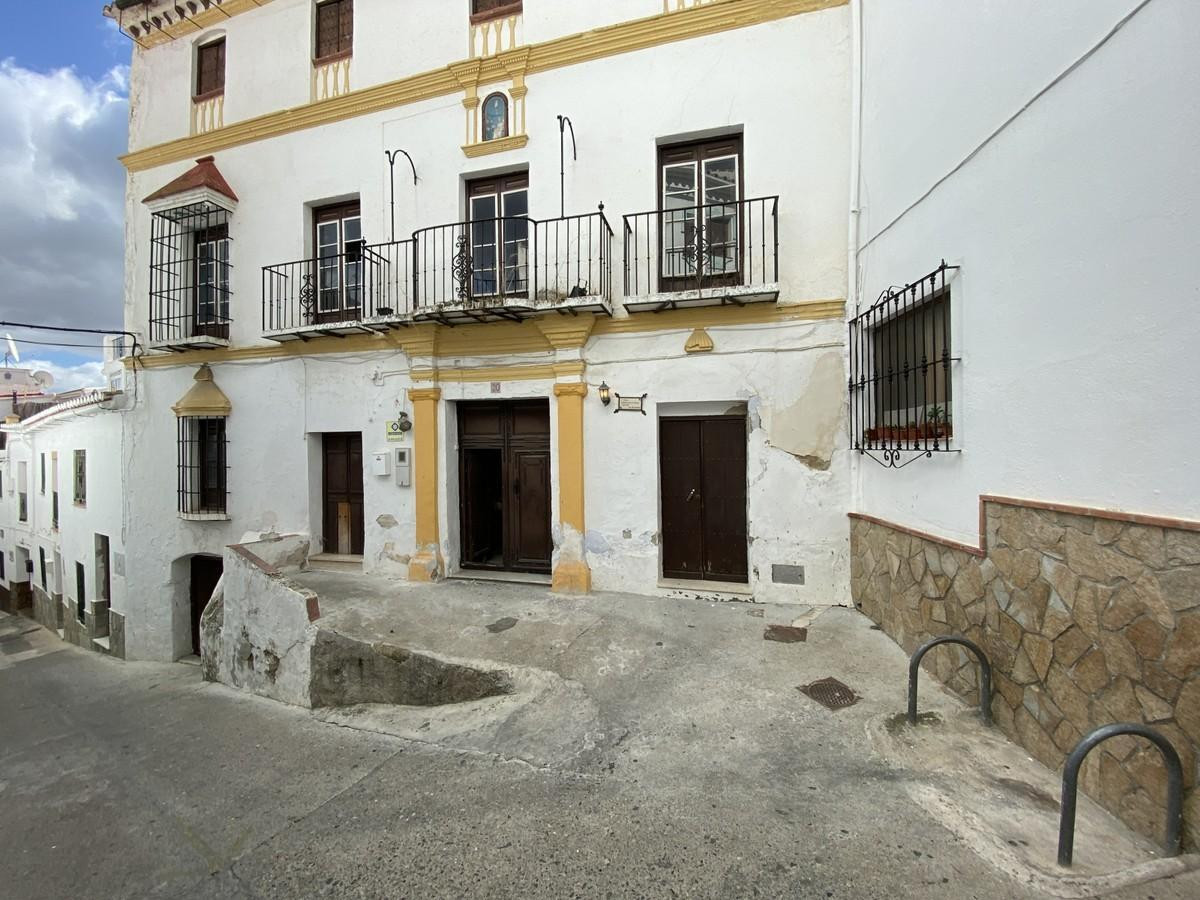 ´STEEPED IN HISTORY´  .  Larger Character Property .  Possible Tourism Project .  Many original feat, Spain