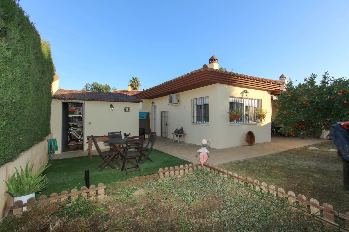 This Immaculate 3bedroom Villa in the tranquil village of Cerralba (Pizarra) ONLY a 30 minute drive , Spain