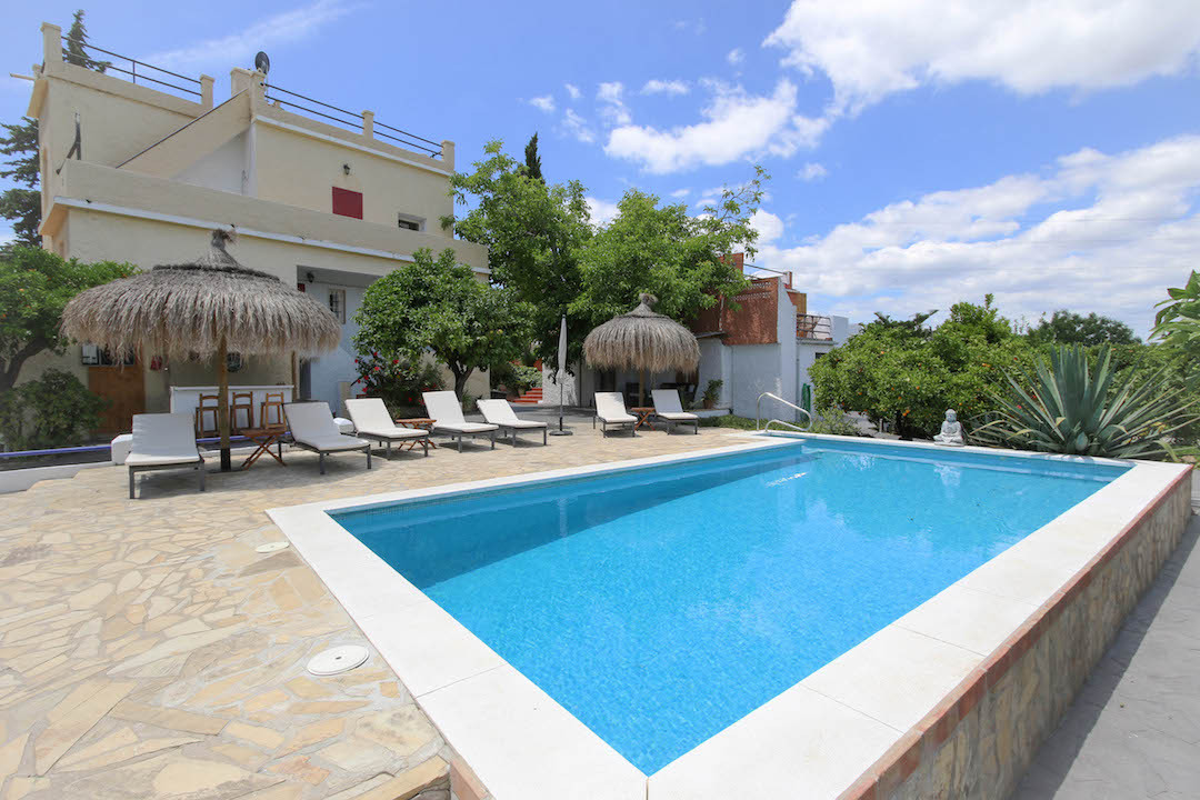 Fully Licensed SUCCESSFUL Bed & Breakfast Business  .   Walking distance to town .   Recently up, Spain