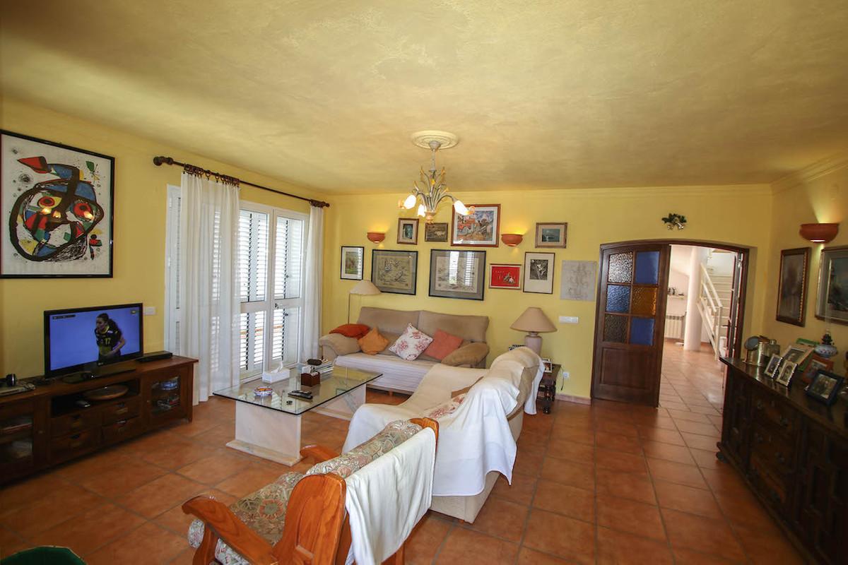 House in Alhaurín de la Torre R2628890 10