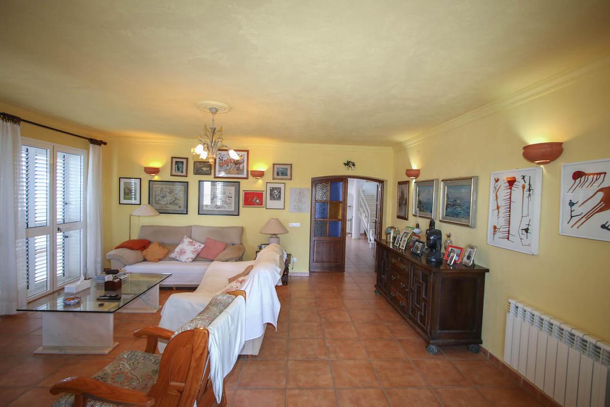 House in Alhaurín de la Torre R2628890 12