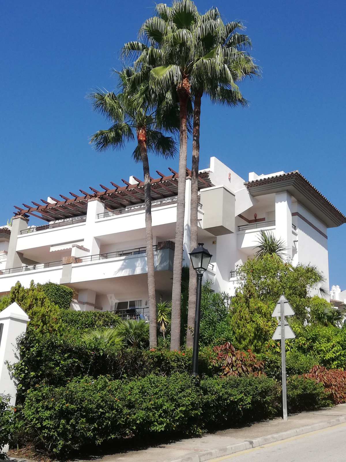 """A beautiful, refurbished, 3 bedroom corner apartment, all on one level and in an excellent """"wal,Spain"""