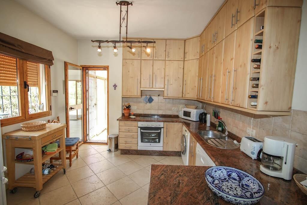 House in Alora R2713829 12