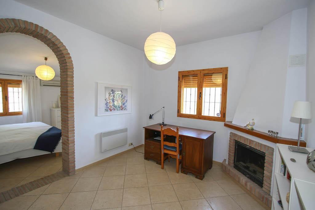 House in Alora R2713829 16