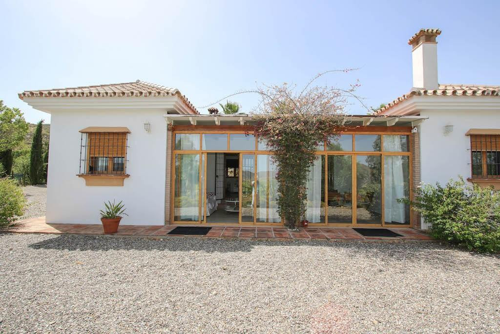 House in Alora R2713829 29