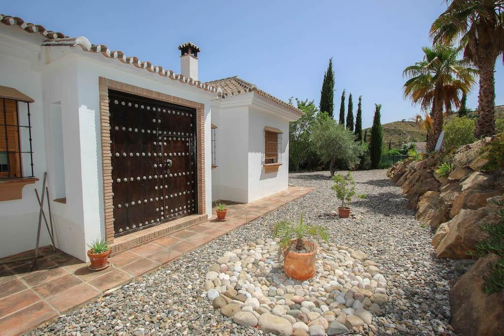 House in Alora R2713829 6