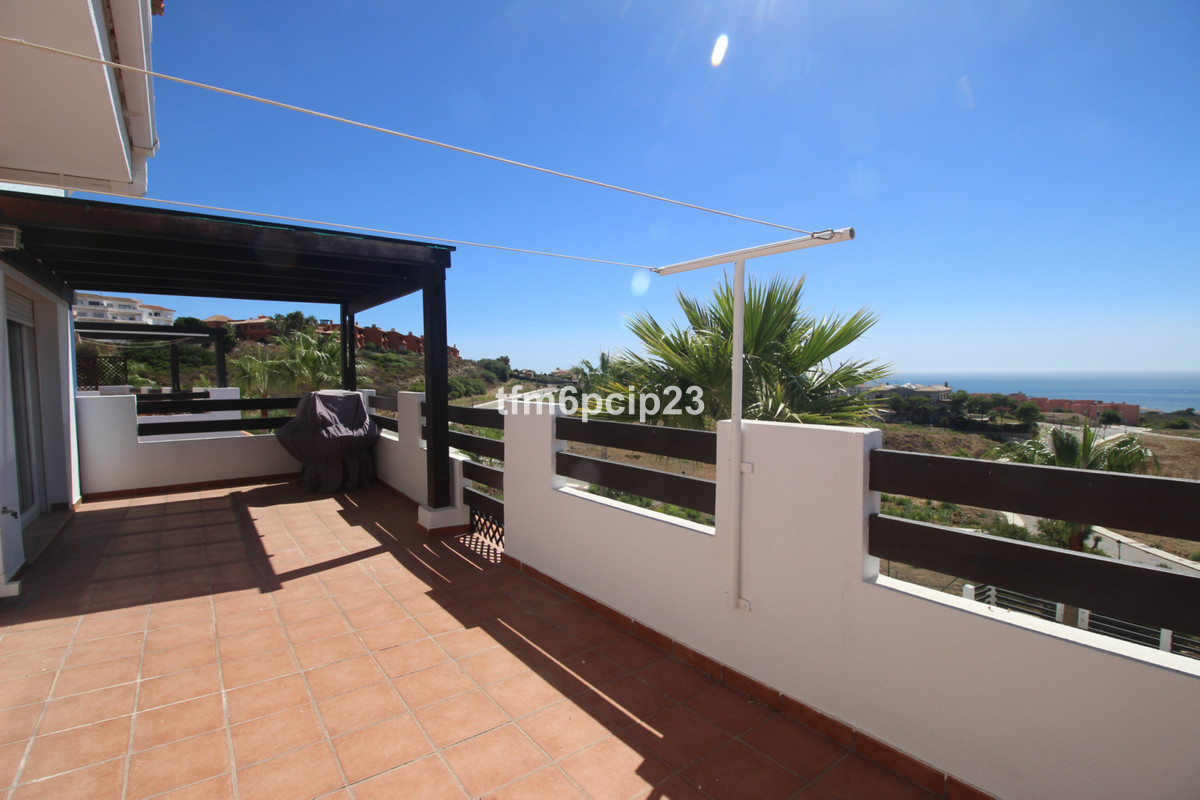 This beautiful apartment has very pleasant sea views. There are 3 bedrooms, 2 bathrooms and the comm, Spain