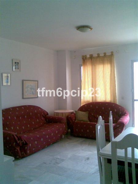 Marbella Banus Apartamento Planta Media en venta en San Luis de Sabinillas – R129176