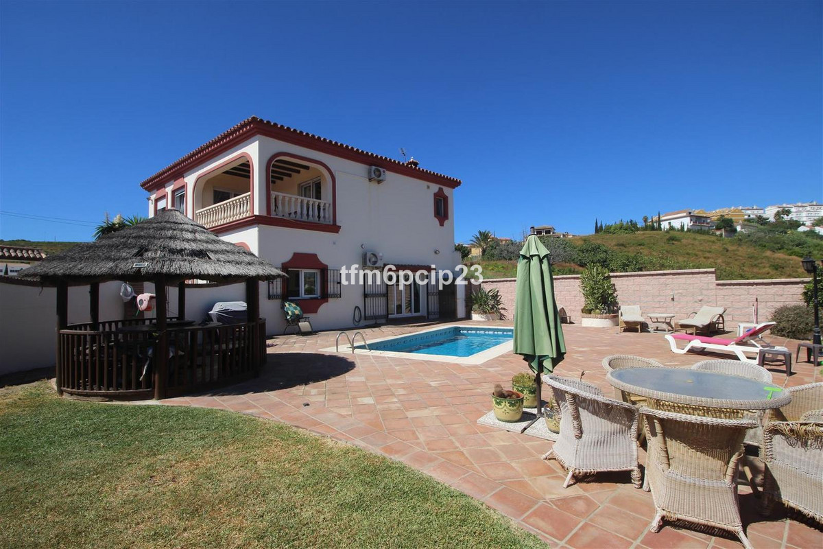 Villa  Detached 													for sale  																			 in Manilva