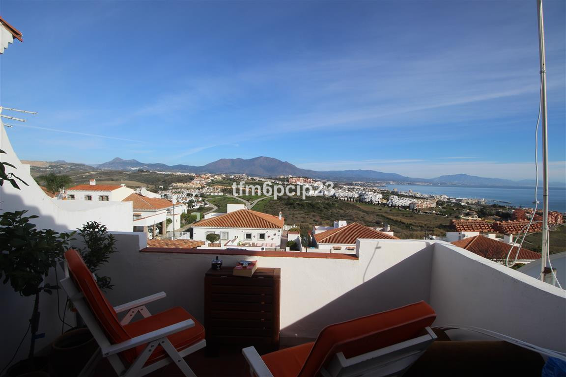 PRINCESA KRISTINA MANILVA   * Nice penthouse studio with a large terrace * Impressive sea and mounta, Spain
