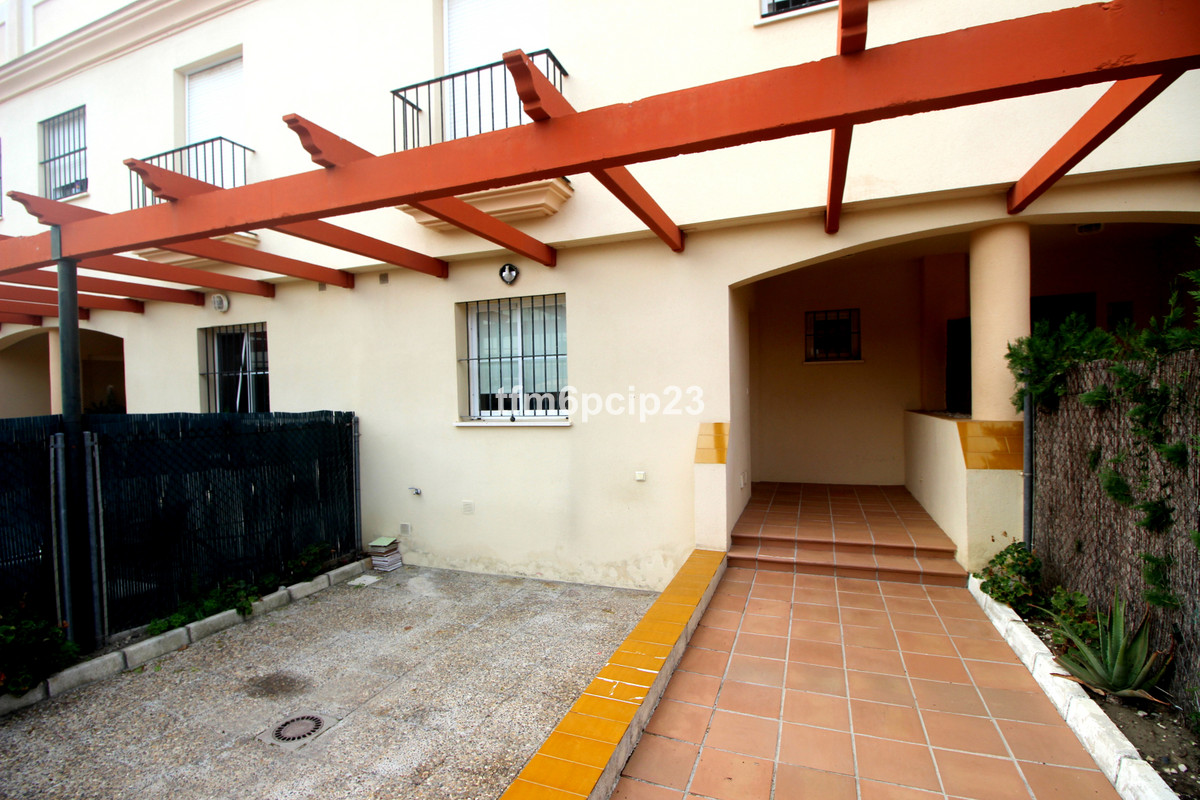 This attractive FAMILY TOWNHOUSE is situated in the Duquesa Golf complex.  It comes complete with 3 ,Spain