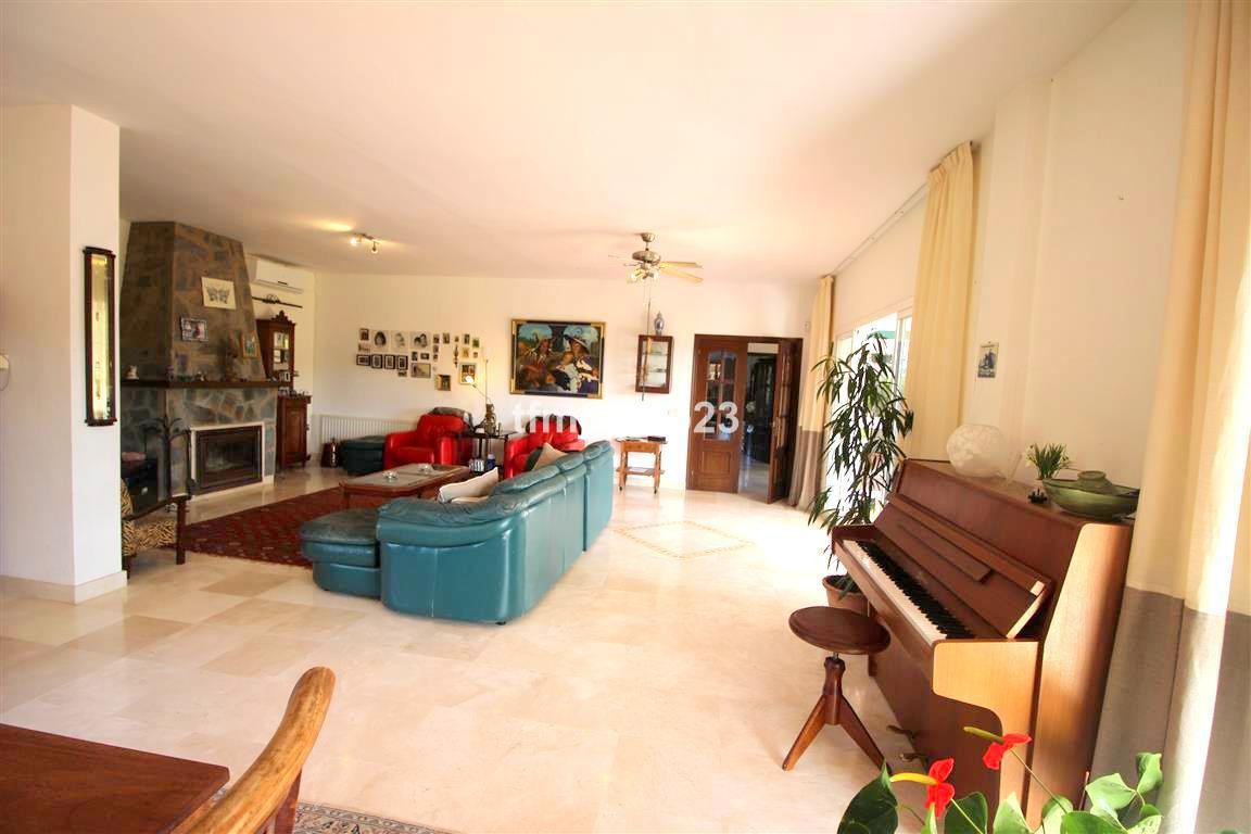 4 Bedroom Villa for sale Manilva