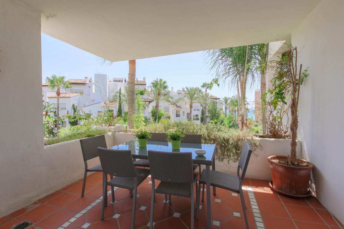Marbella Banus Apartamento Planta Media en Venta en Costalita – R3685049