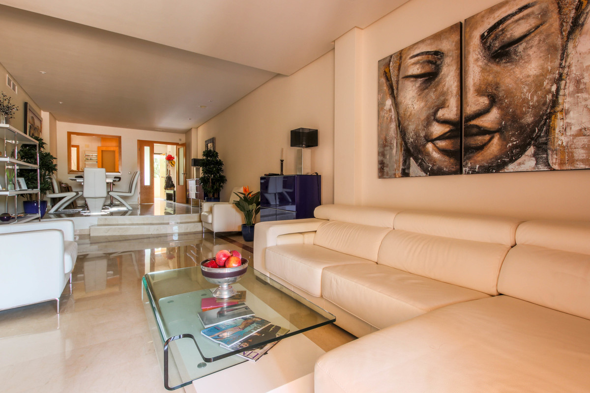 Apartamento en Venta en Puerto Banús – R3679403