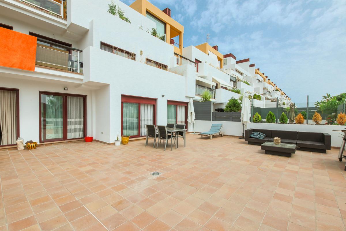 Marbella Banus Apartamento en Venta en Selwo – R3689912