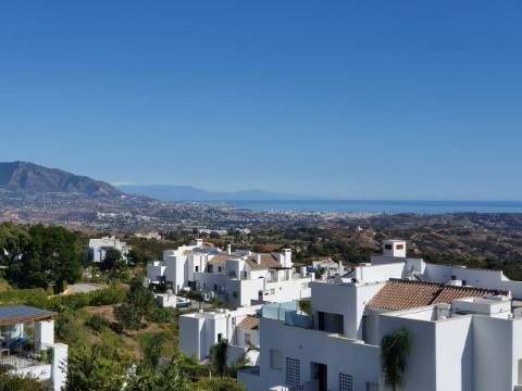 Ático en venta en Marbella – R2454056
