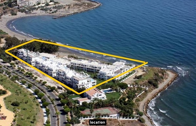 FANTASTIC FRONTLINE BEACH APARTMENT WITH IMPRESSIVE SEA VIEWS. This marvellous apartment is located ,Spain