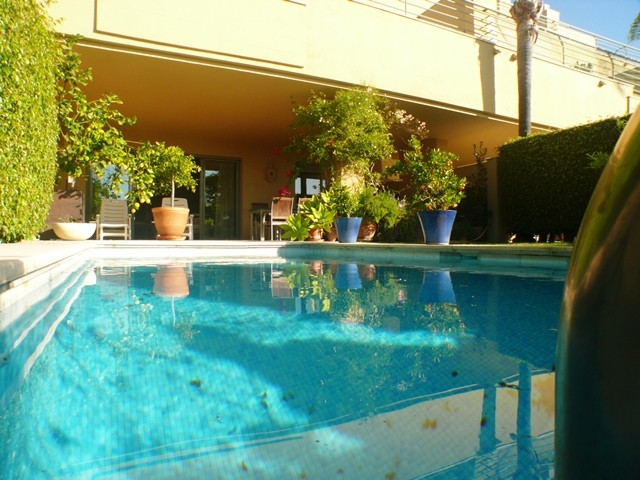 Magnificent opportunity in the Port of Sotogrande: Very spacious apartment with 3 bedrooms, 3 bathro, Spain