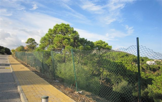 EXCEPTIONAL OPPORTUNITY !! REDUCED FROM 1.200.000 TO FINAL PRICE 393.750 EUR !!! PLOT IN MARBELLA CL,Spain