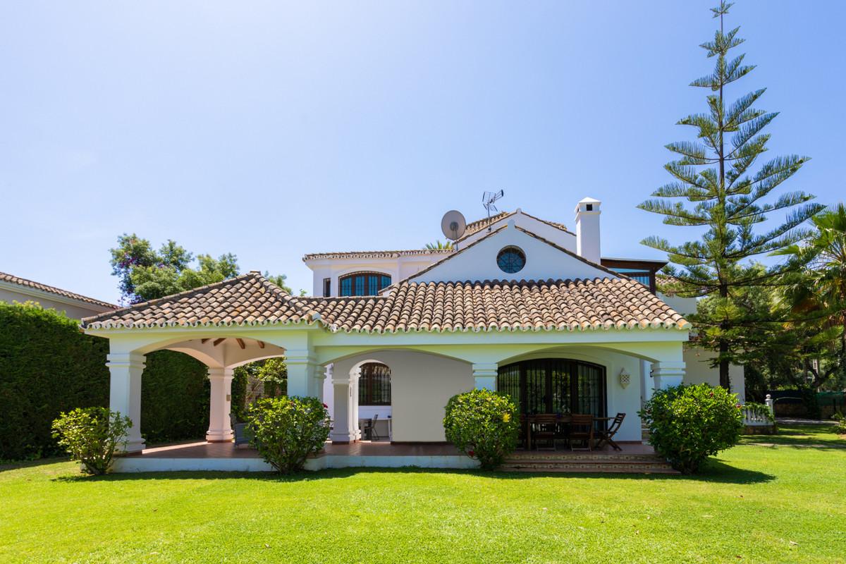 Detached Villa for sale in El Rosario R3762811
