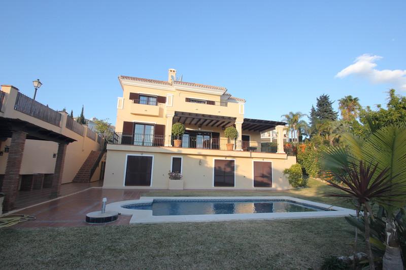 Detached Villa El Rosario