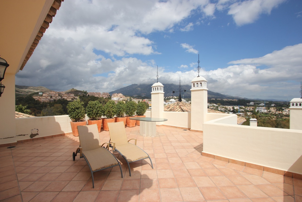 Penthouse for sale in Nueva Andalucía R3146659
