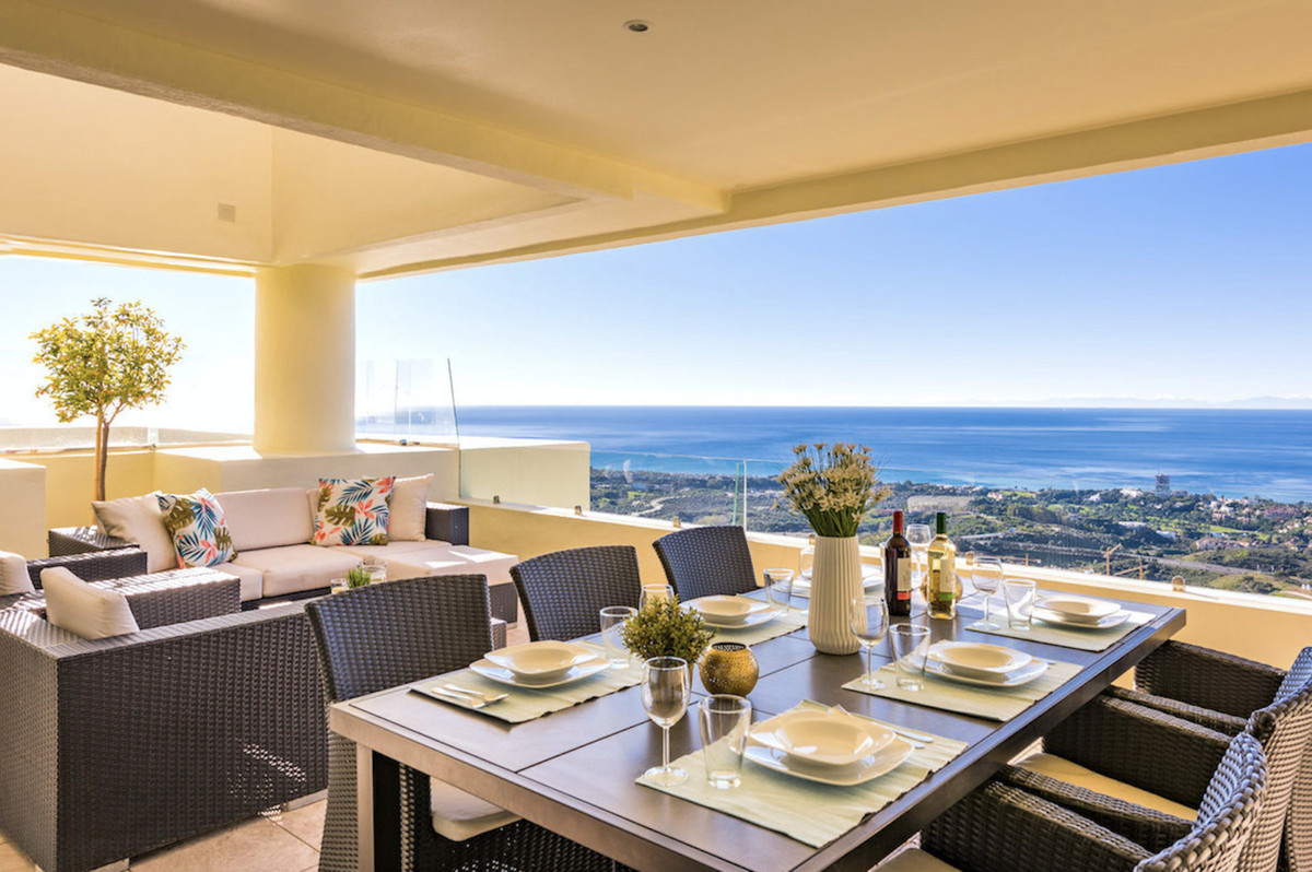 Penthouse in Altos de los Monteros