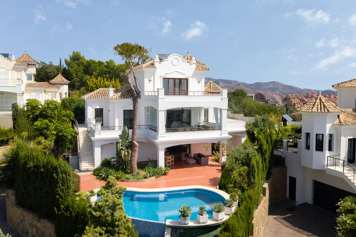 Stunning 4 Bedroom 4 Bathroom villa located in Elviria, East Marbella within a 5 minute drive to the, Spain