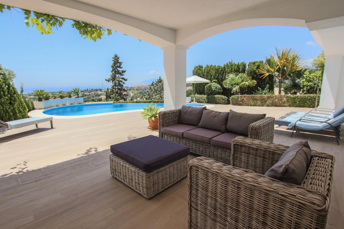 Villa – Chalet en Venta en Elviria – R3385945