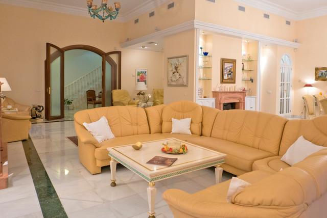 House in Bahía de Marbella R3161035 2