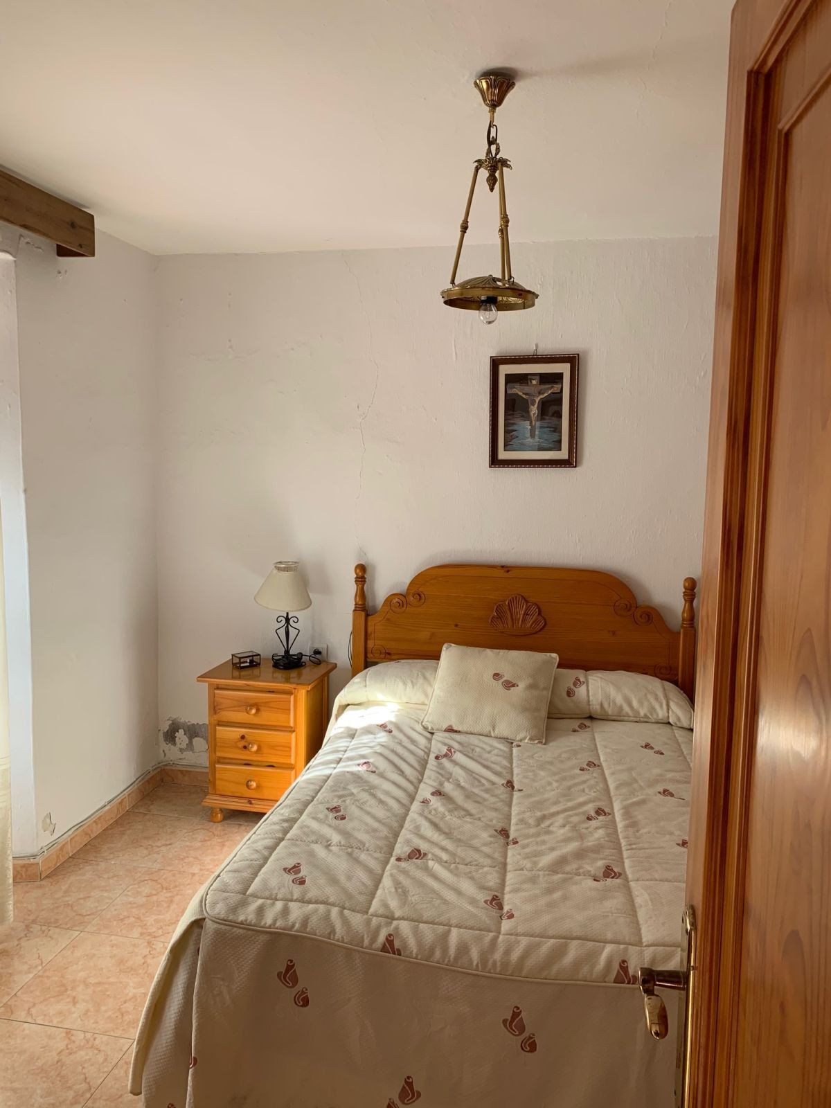 R3597926   Townhouse in Estepona – € 160,000 – 3 beds, 1 baths