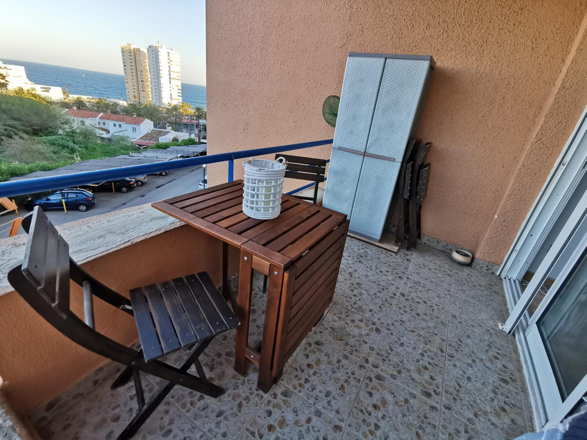 FANTASTIC RECENTLY RENOVATED APARTMENT, IN FRONT OF THE BEACH, CLOSED URBANIZATION. A warm and charm,Spain