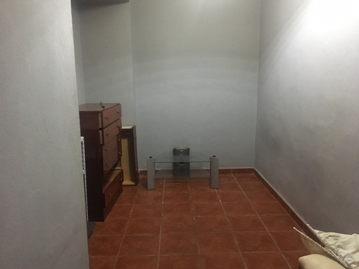 R3769411 | Townhouse in Estepona – € 157,500 – 2 beds, 1 baths