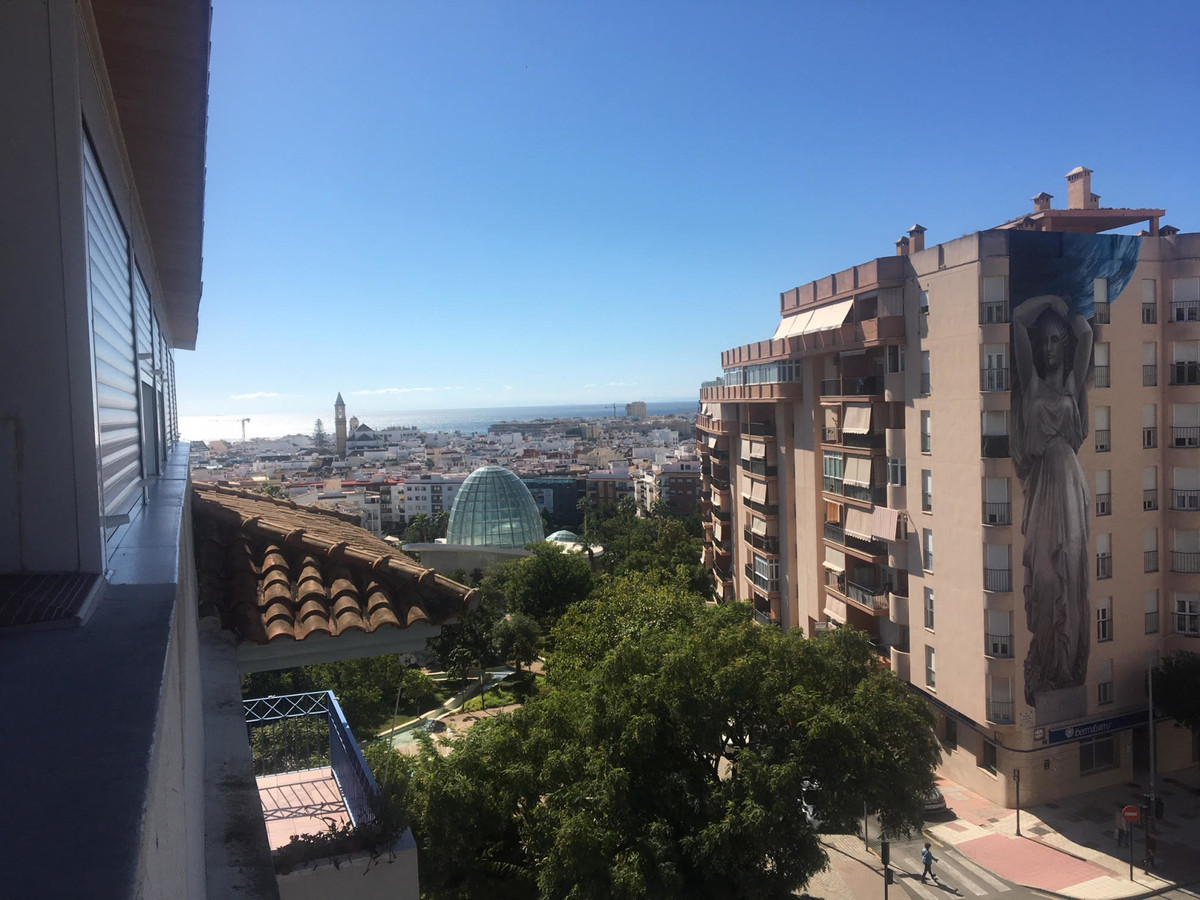 Magnificent penthouse in Estepona with great sea views, terrace of 56.65m2 It consists of 4 bedrooms,Spain