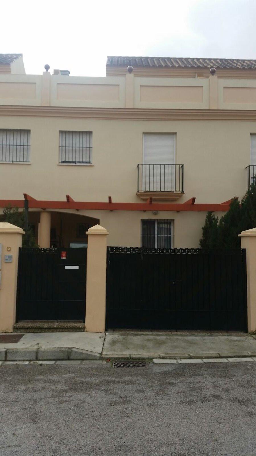 Maison Jumelée, Mitoyenne  en vente    à Manilva
