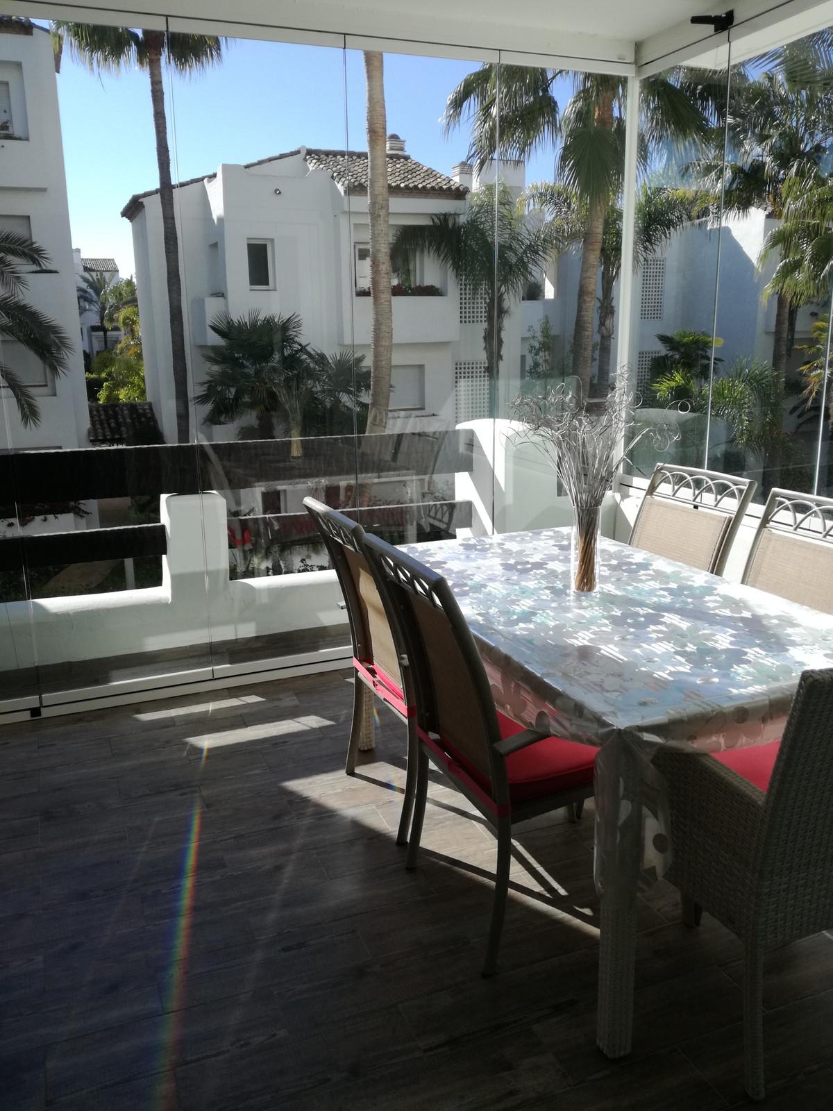 Marbella Banus Apartamento Planta Media en Venta en Costalita – R3138952