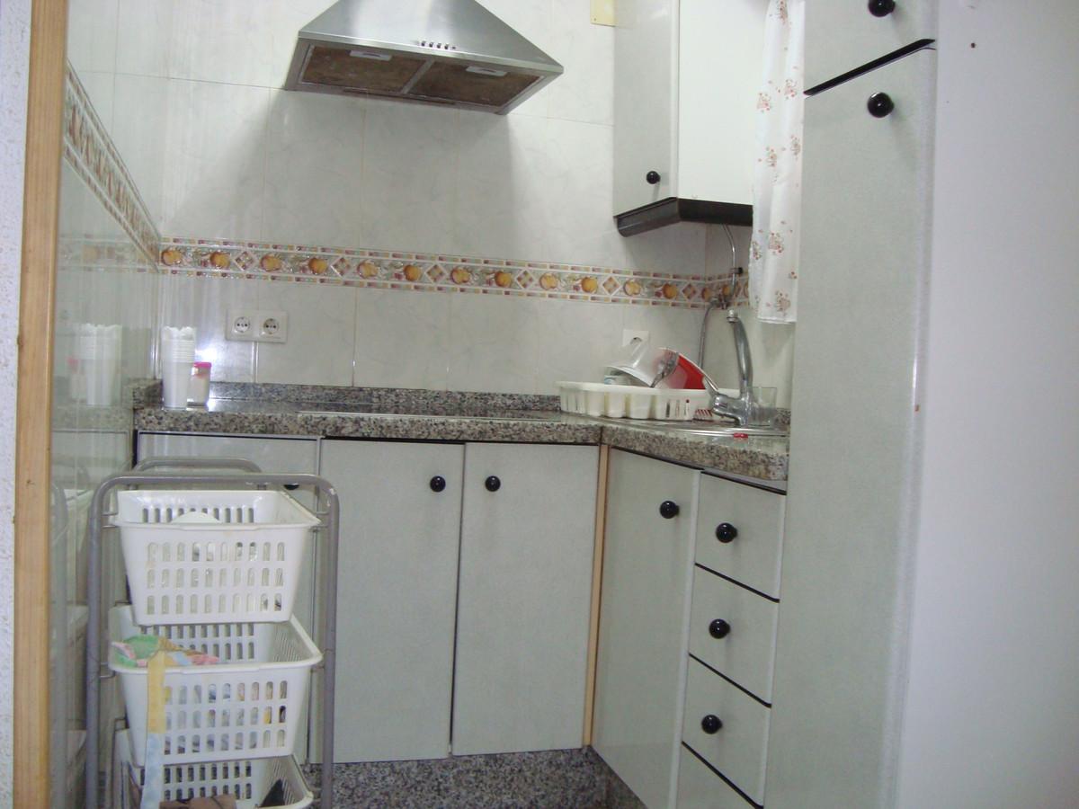 R3734158 | Ground Floor Apartment in Estepona – € 90,000 – 2 beds, 1 baths