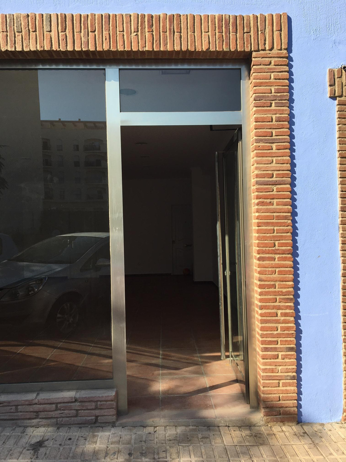 Brand new local in Sabinillas. Large storefront windows overlooking the street. A lot of step.  Comm, Spain