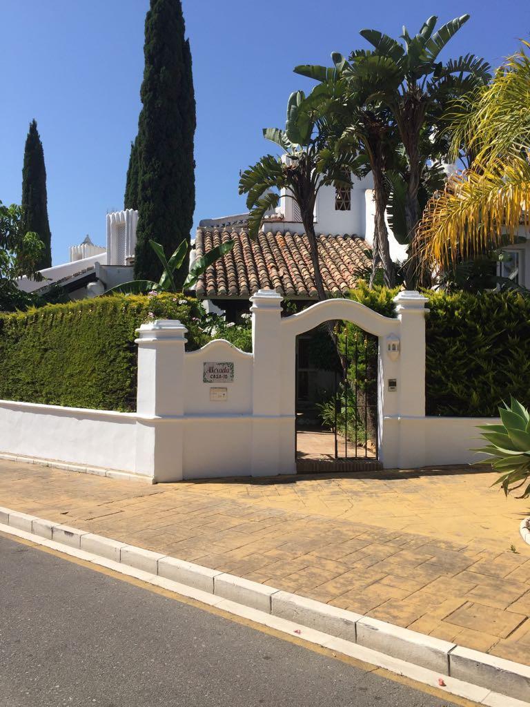 Pareada en venta en Marbella – R3215122