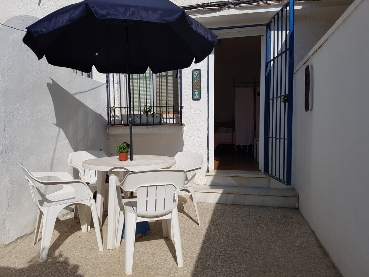 Investment study Nueva Andalucia. Ideal for investors who want to dedicate to rent. It is rented at , Spain