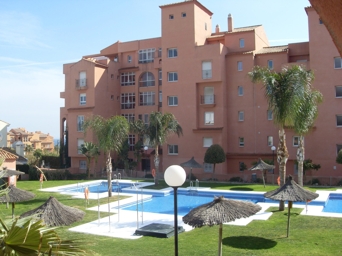 Ground Floor Apartment, Estepona, Costa del Sol. 2 Bedrooms, 2 Bathrooms, Built 84 m², Terrace 20 m², Spain