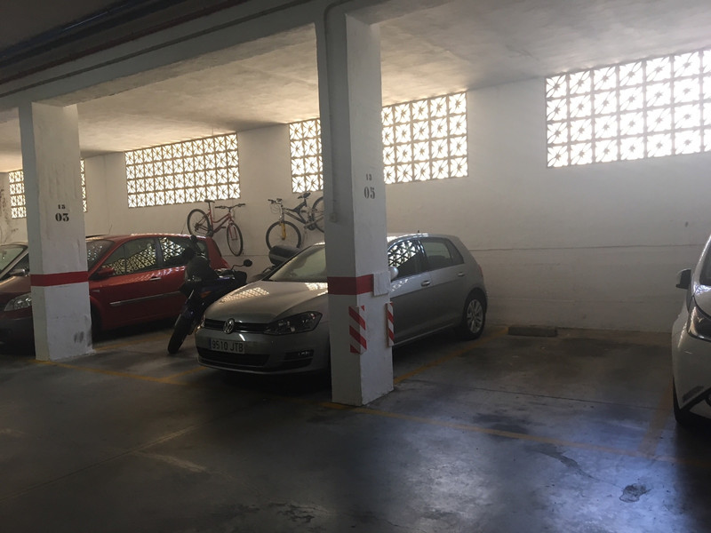 Garage in Estepona for sale
