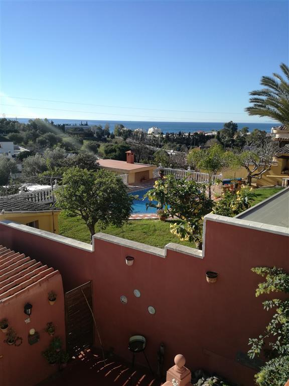 Marbella Banus Villa en Venta en Marbella – R2832032