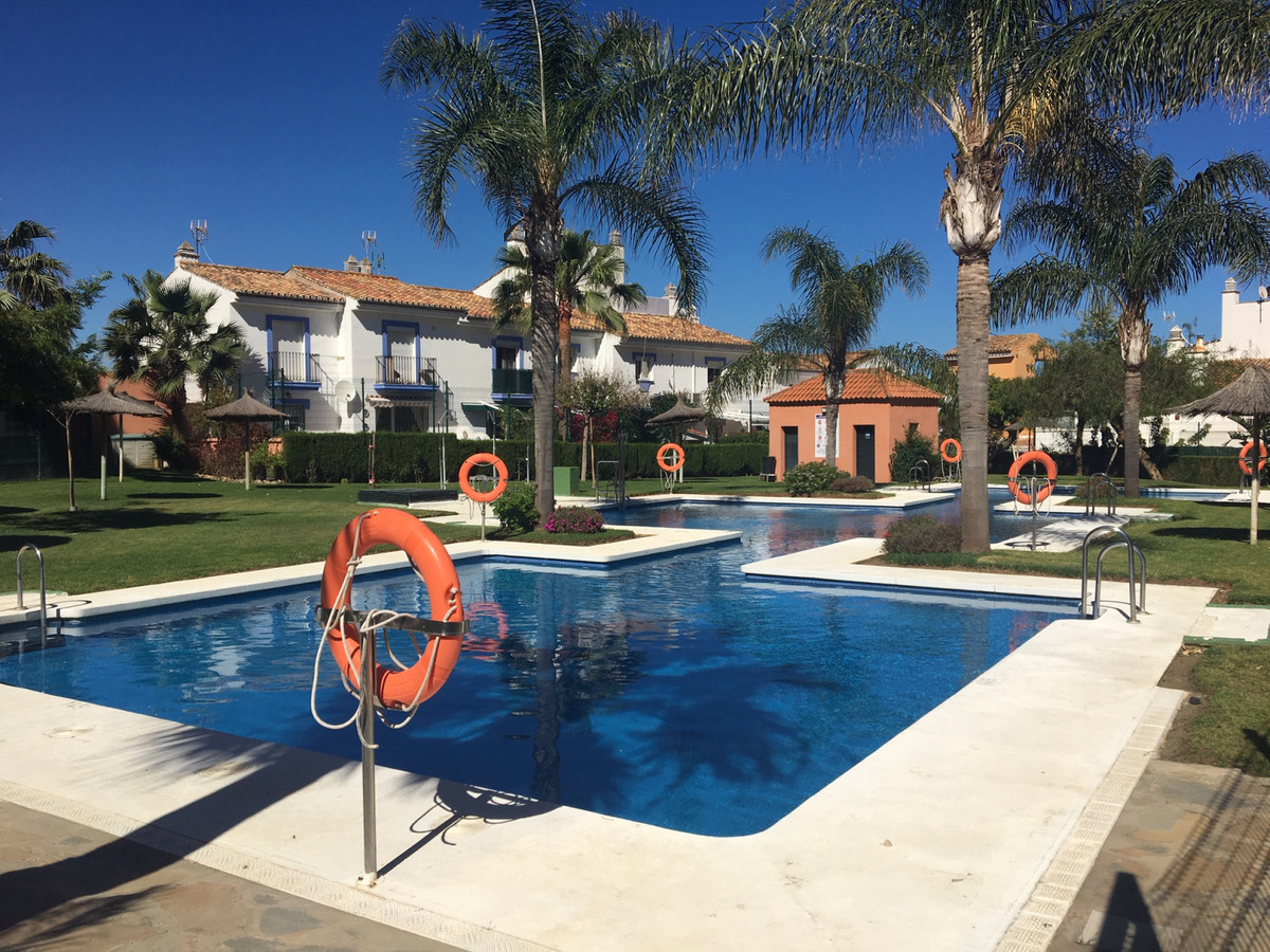 Great apartment in Los Hidalgos (Manilva) with two bedrooms, two bathrooms, pre-installation of air ,Spain