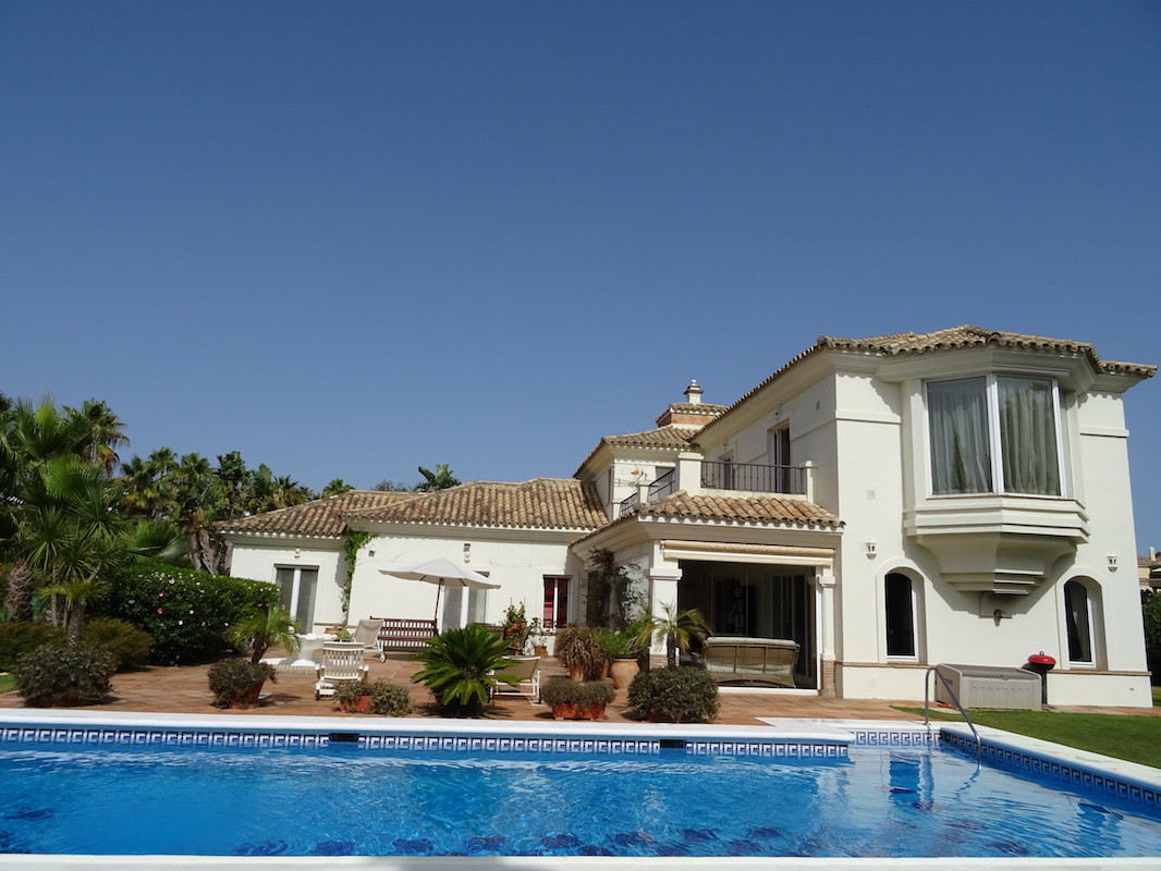 Magnificent villa in the area of ??Sotogrande Alto with two spectacular views, private pool and gard,Spain
